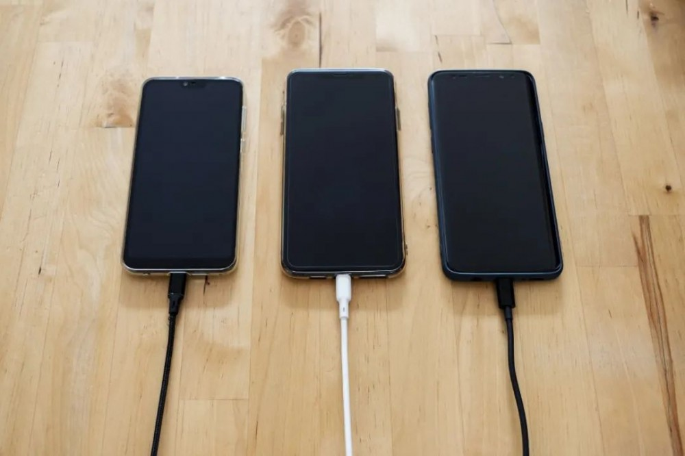 为什么你的手机越来越不耐用了?插图